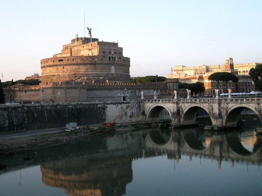 Roma, fort Angel and Tiber river